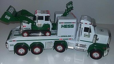 2013 Hess Gasoline Toy Truck & Tractor w/ Lights + Sounds