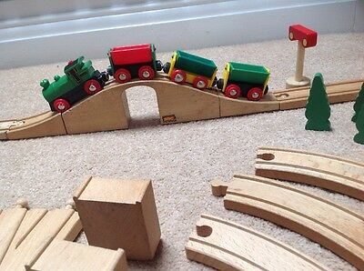 Brio Wooden Trains & Railway: Electric Engine Starter Set ♡ PRE-LOVED