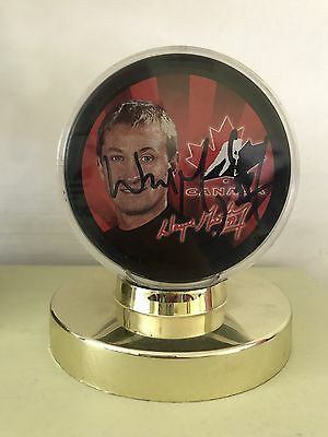 Wayne Gretzky Ltd Edition Hand Signed Puck NHL RARE Collectors Team Canada