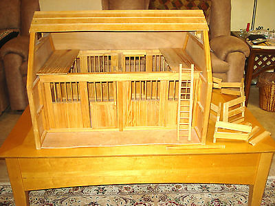 Large Breyer Horse Barn Two Stalls Sliding Stall Doors w/ Accessories Good Cond