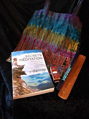 "L@@k!""om Meditation"" New Age Boho Hippie Bargain Grab Bag Lot - Bb12"