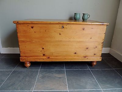 Lovely-Old -Stripped -Antique-Solid-Pine-Victorian-Chest-Blanket Box