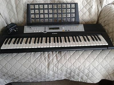 Yamaha YPT 200 Electronic Keyboard