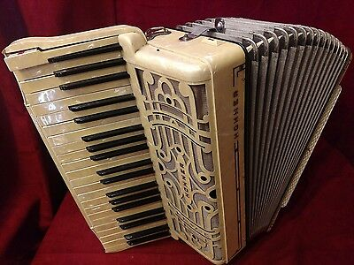 Vintage Pre-War Piano Accordion Cream Hohner LMM 41/120 FOR PARTS OR REPAIR
