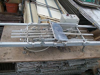 Plant nursery tray plug popper, lifter, riser, remover commercial growers tool