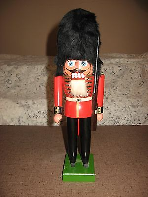 """Vintage 12"""" ERZGEBIRGE Nutcracker PALACE GUARD W/RIFLE MADE IN EAST GERMANY DDR"""