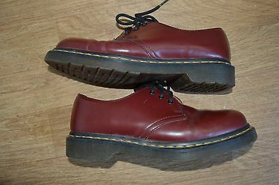 women's The originals DR. Martens red maroon shoes size UK 5 EUR 38
