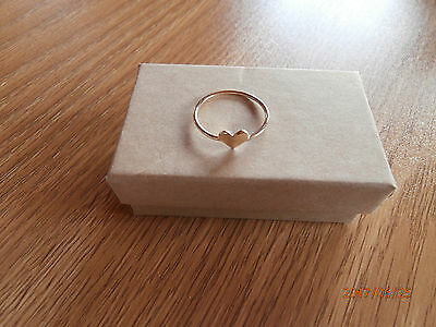 10ct yellow gold heart ring, size 8, 18mm