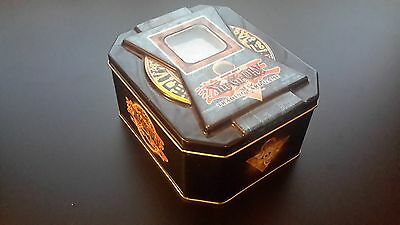 Yu-Gi-Oh card tin with 100 cards + 2 unoppened booster packs