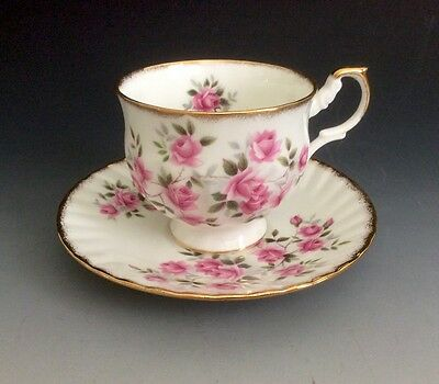 Vintage Queen's Rosina Fine Bone China Cup And Saucer Set Made In England