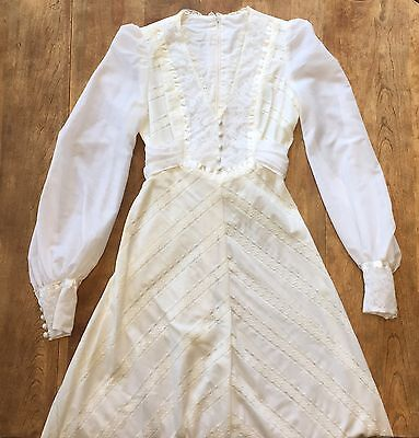 Vtg. 70s Hippy Boho Wedding Prairie Dress Off-White Lace Satin Detailing