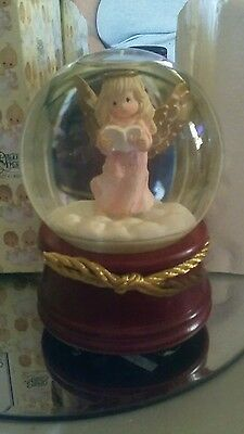 Precious Moments Angel with Book Musical Waterball new in box 1997 #957003