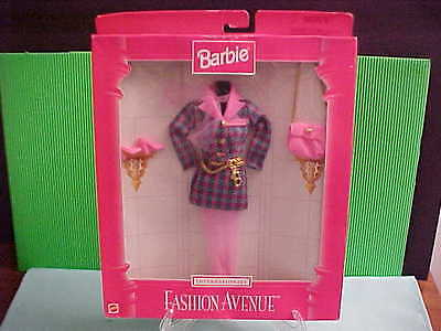 Barbie Fashion Ave Ast # 18106 Internationale France outfit