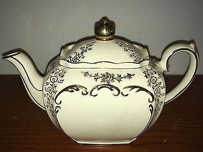 """Rare Vintage """"sadler"""" Cubed Teapot Signed England Cream With Gold Chintz Accents"""