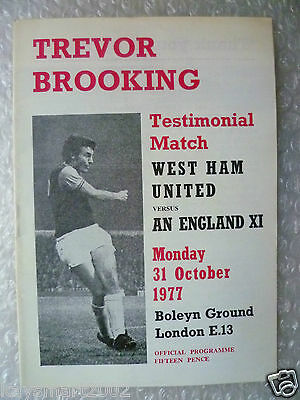 1977 Trevor Brooking Testimonial Match WEST HAM UNITED v ENGLAND XI, 31 Oct 1977