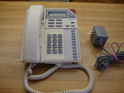 Vintage White Maestro Northern Telecom Desk Telephone Made In Canada