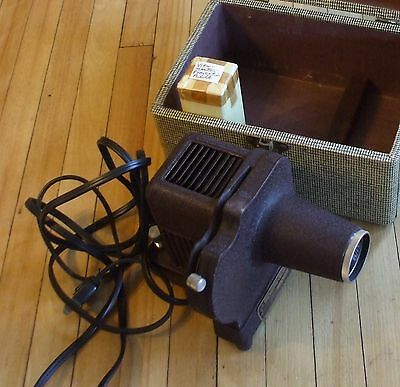 Sawyer's View Master Projector S-1 Heavy Vintage With Case and Extra Bulb Nice