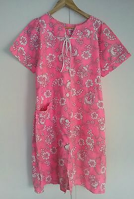 Vintage 60s dressing gown or housecoat in VGC pink size 16 suit small medium