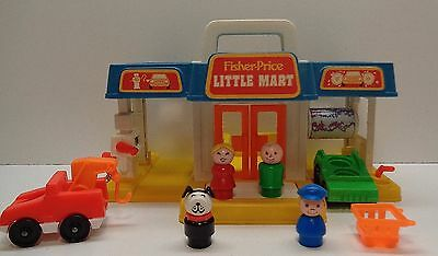 VINTAGE Fisher Price Little People 2580 LITTLE MART MINI CAR WASH WITH ACCESSORY