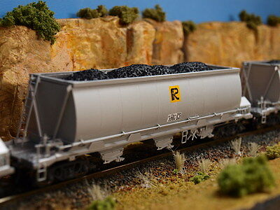 4 pack of Coal loads to suit On Track Models' CH hopper wagons in HO scale.