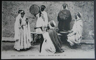 Postcard. Belly Dancer. Musiciens & danseuse du Sud. Egypt. Scenes & Types LL