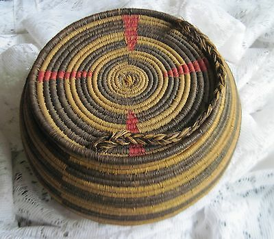 Gorgeous Vintage Coiled Woven Round Lidded Basket w/Handle~Shaded Brown Design