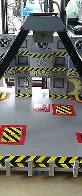 Robot wars minibots arena with drop zone