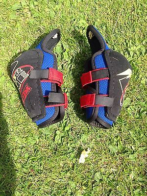 CCM Ice/Roller/Street Hockey Elbow Guards/Pads Small Mans/Mens