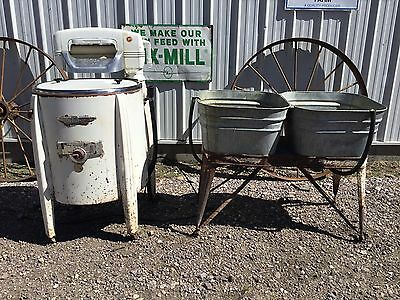 Vintage SPEED QUEEN Wringer Wash Machine MIDWEST Galvanized Rinse Tubs on Stand