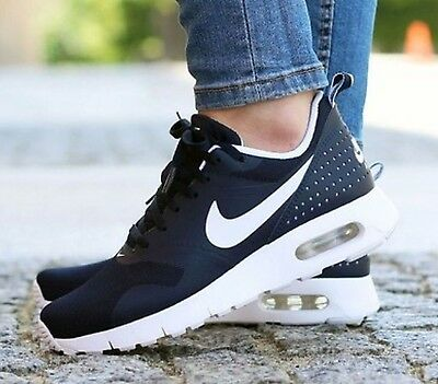 Nike Air Max Tavas Women's Trainers. Size 5.5 UK. New And Boxed.