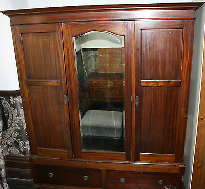Large Stag 3 Door Mirrored Wardrobe With Draws