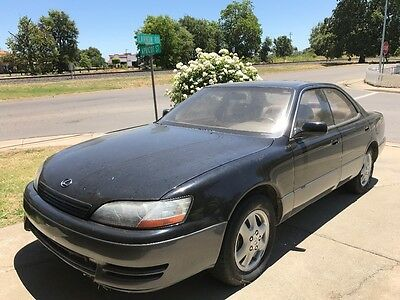 1995 Lexus ES  Lexus ES 300, 1995, Black, Leather Interior, 4 New Tires