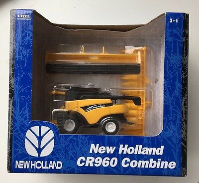 Ertl Toys - New Holland CR960 Combine Model 1:32 Scale Boxed