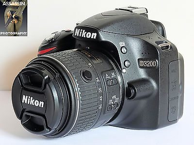 Nikon D3200 24.2MP Digital SLR Camera Package VGC LOW USE
