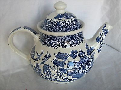 Large Churchill Willow pattern blue and white teapot