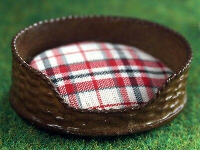 Dolls House Miniature 1:12th Scale Tartan Dog/Cat Bed