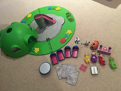 TELETUBBY HOME HILL PLAYSET 4 TUBBY FIGURES  Teletubbies