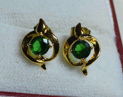 Vintage 14k Gold genuine Emerald gemstones studs earrings - Estate