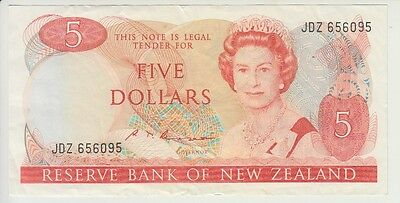 NEW ZEALAND CAT # 171 b  5 DOLLARS SIGNATURE RUSSELL  ELIZABETH II  VERY FINE