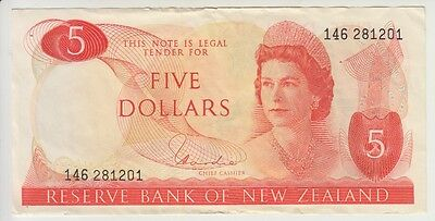NEW ZEALAND CAT# 165 d 5 DOLLARS SIGNATURE HARDIE ELIZABETH II VERY FINE