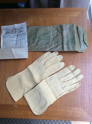 Vintage Ladies Fownes Fine Doe Suede Leather Gloves Size 7.5