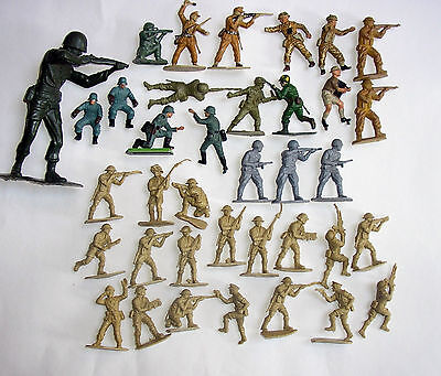 WW2 Plastic toy soldiers