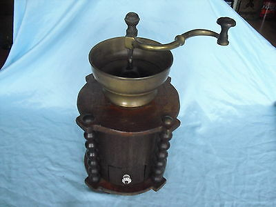 Schoßmühle um 1890 - Moulin a Cafe - coffee grinder (240)