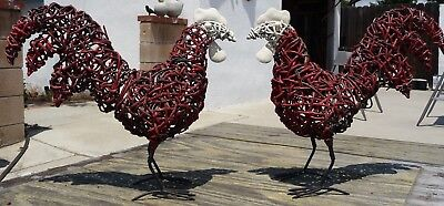Vintage WIRE CHICKEN TRAMP ART Hinge Tail Egg Keeper Country Folk Art Sculpture