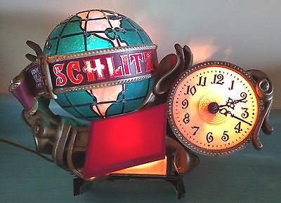 Beer Sign LIGHT Schlitz MAN CAVE HOME DECORATION 1976 Globe VINTAGE NOT PERFECT