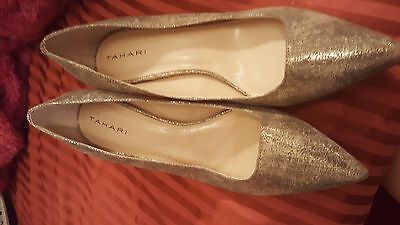 GORGEOUS Woman's Tahari Harper Gold Leather Shoes size 8.5 (M,B) **NEW**