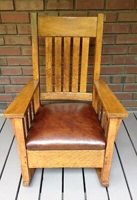 Antique Arts and Crafts Mission Wooden Rocking Chair / Rocker Seat