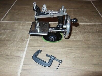 Vintage 1930's toy singer sewing machine with Clamp awesome condition See pics,