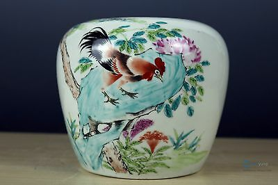 Beautiful Fine Chinese Famille Rose Porcelain chicken Brush Washer