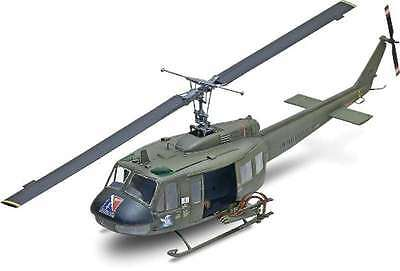 Revell 5536 Bell UH-1D Huey Gunship 1/32 Scale Plastic Model Kit 031445055362